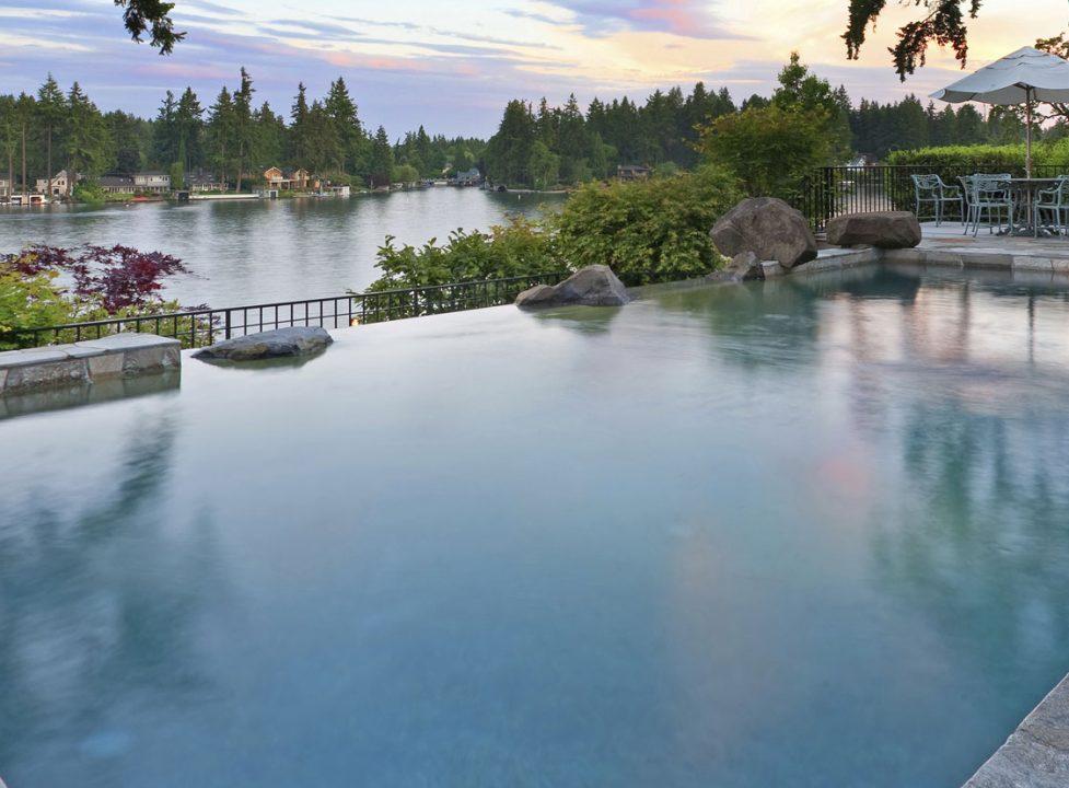 vanishing-edge-swimming-pool